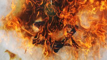 israel flag burning