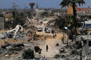 Israel hits Khan Yunis' Huzaa